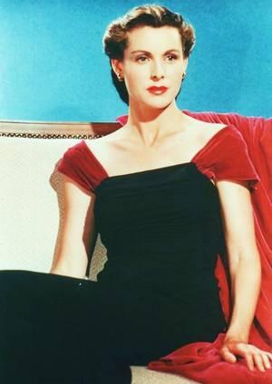 Frances DEE est une actrice américaine, née le 26 novembre 1909 à Los Angeles, Californie, et décédée le 6 mars 2004 à Norwalk, Connecticut.