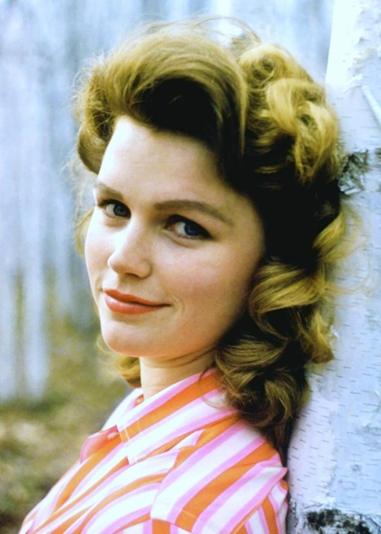 Lee REMICK est une actrice américaine née le 14 décembre 1935 à Quincy (Massachusetts), morte le 2 juillet 1991 à Los Angeles (Californie).