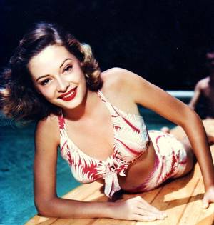 Jane GREER est une actrice américaine, de son nom complet Bette Jane GREER, née à Washington (District de Columbia) le 9 septembre 1924, décédée d'un cancer à Los Angeles (Californie) le 24 août 2001.