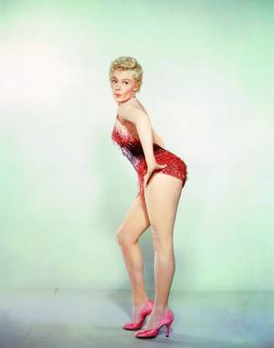 Dawn Shirley CRANG BETHEL dite Sheree NORTH (17 Janvier 1932 - 4 Novembre 2005) était une actrice, danseuse et chanteuse Américaine.