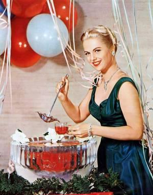 Martha HYER est une actrice et scénariste américaine, née à Fort Worth (Texas, États-Unis) le 10 août 1924.