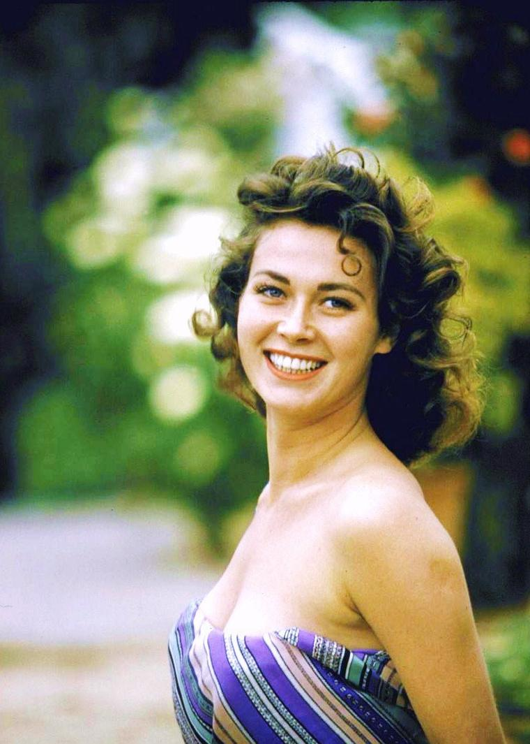 Gia SCALA est une actrice britannique née le 3 mars 1934 à Liverpool et morte le 30 avril 1972.