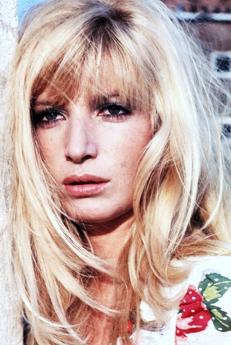 Monica VITTI, de son vrai nom Maria Luisa CECIARELLI, est une actrice italienne née à Rome le 3 novembre 1931.
