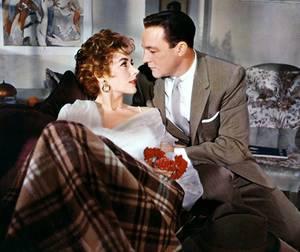 Kay KENDALL (née Justine Kay KENDALL-McCARTHY) est une actrice anglaise, née le 21 mai 1926 à Withernsea, Yorkshire (Angleterre) et décédée à Londres (Angleterre) le 6 septembre 1959. Elle fut mariée à Rex HARRISON (1957-1959).