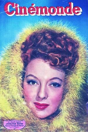 Evelyn KEYES, née le 20 novembre 1916 à Port Arthur, au Texas (États-Unis) et morte à Montecito, Californie, le 4 juillet 2008, est une actrice américaine.