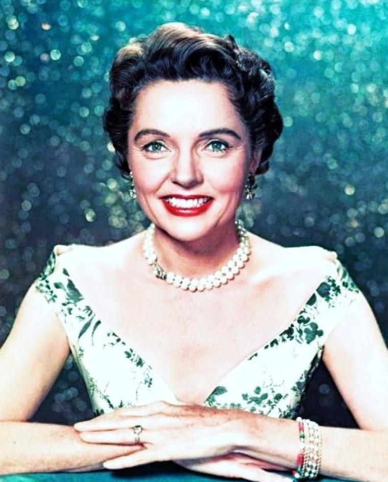 Jane WYATT est une actrice américaine née le 12 août 1910, à Campag dans l'Etat du New Jersey, aux États-Unis.