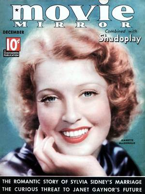 """Jeanette MacDONALD (18 juin 1903 – 14 janvier 1965) est une cantatrice et actrice américaine célèbre surtout pour les comédies musicales filmées qu'elle a tournées dans les années 1930 avec Maurice CHEVALIER (""""Aimez-moi ce soir"""", """"La Veuve joyeuse"""") et Nelson EDDY (""""La Fugue de Mariette"""", """"Rose-Marie"""", et """"Le Chant du printemps"""")."""