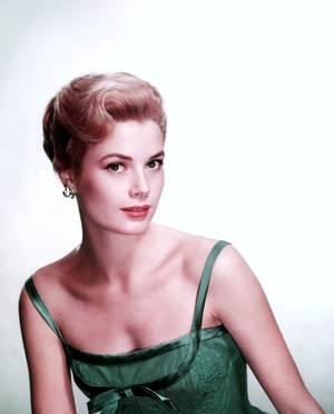 Grace KELLY, Princesse à l'écran comme à la ville...