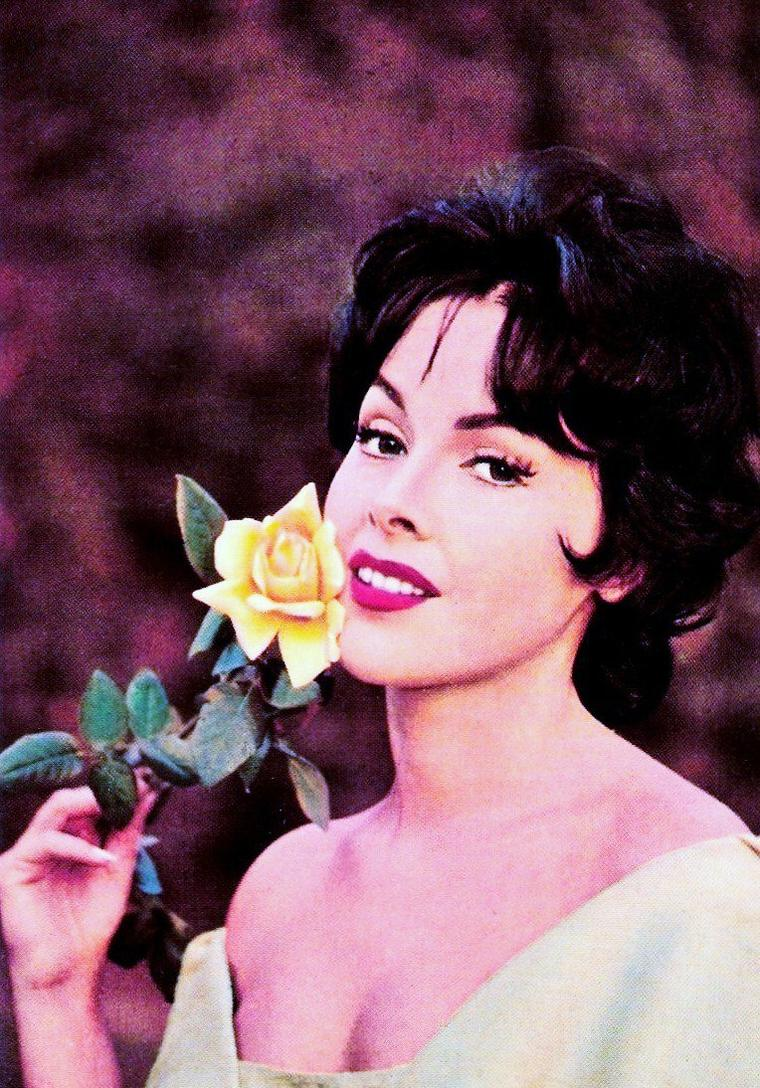 Mara LANE née le 16 Août 1930 à Vienne (Autriche) est une actrice allemande