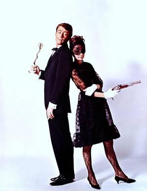 """LA MODE GIVENCHY 1966 portée par Audrey HEPBURN dans le film """"Comment voler un million de dollars"""" de William WYLER avec Peter O'TOOLE entre autres..."""