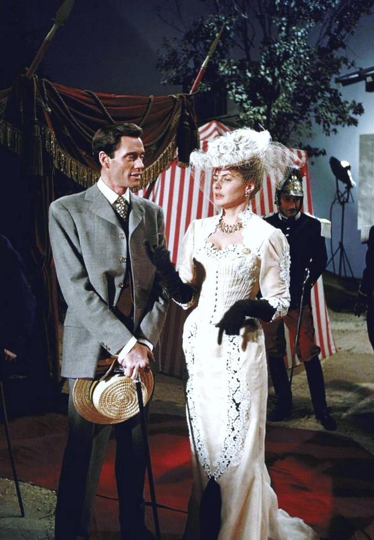 """Ingrid BERGMAN est Elena dans le film """"Elena et les hommes"""" de Jean RENOIR en 1956."""