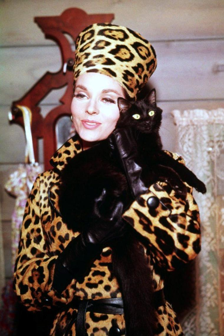 Lee MERIWETHER est une actrice américaine née le 27 mai 1935 à Los Angeles, Californie (États-Unis), couronnée Miss America en 1955.