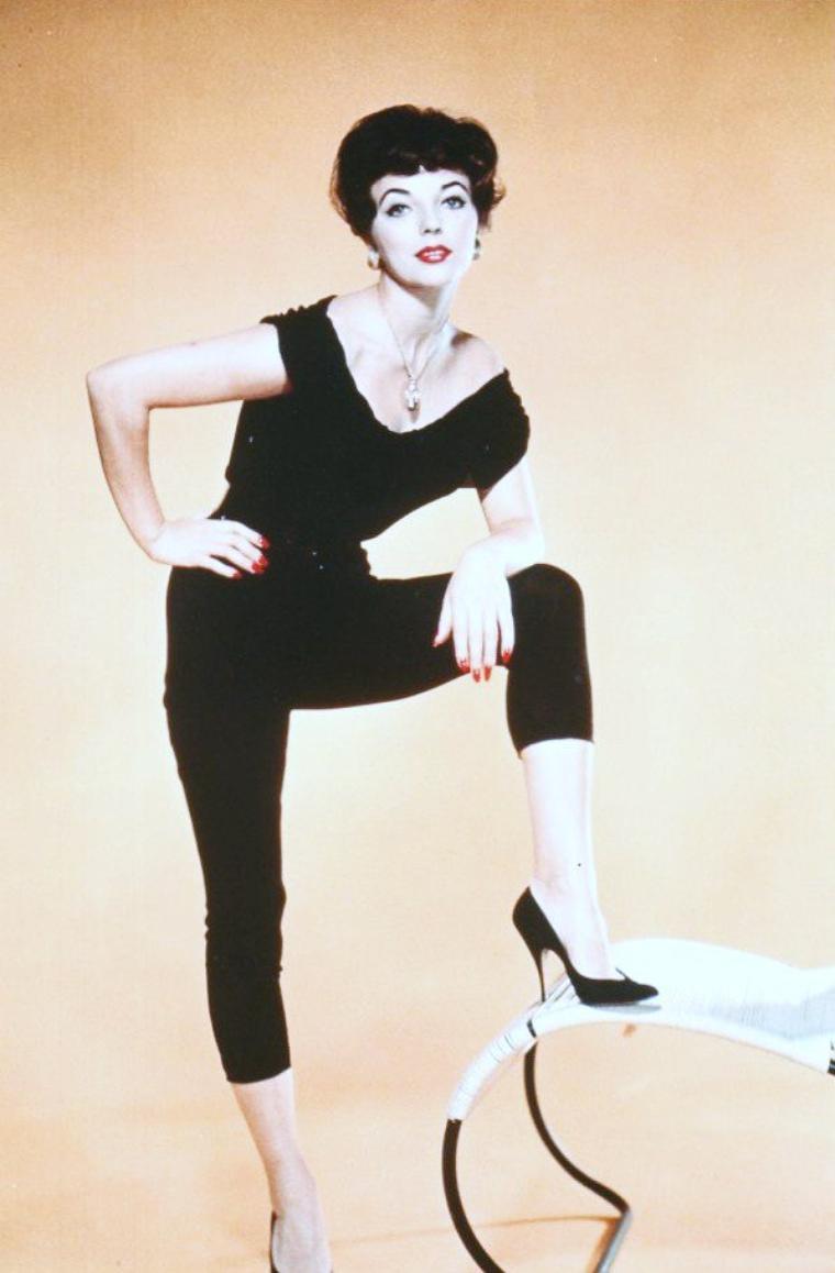 BONUS photos Joan COLLINS dans les années 60