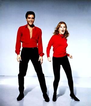 """Quand Ann MARGRET rencontre """"le king"""" (Elvis PRESLEY) dans le film musical """"L'Amour en quatrième vitesse"""" (Viva Las Vegas) réalisé par George Sidney en 1964."""