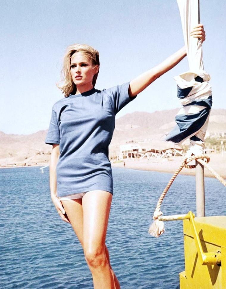 Ursula ANDRESS pictures (part 2).