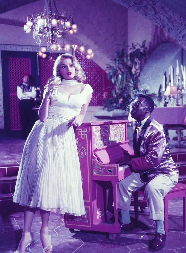"""1955 / Anita EKBERG joue dans 1 épisode de la série T.V. """"Casablanca"""" (saison 1), intitulé """"Who holds tomorrow""""..."""