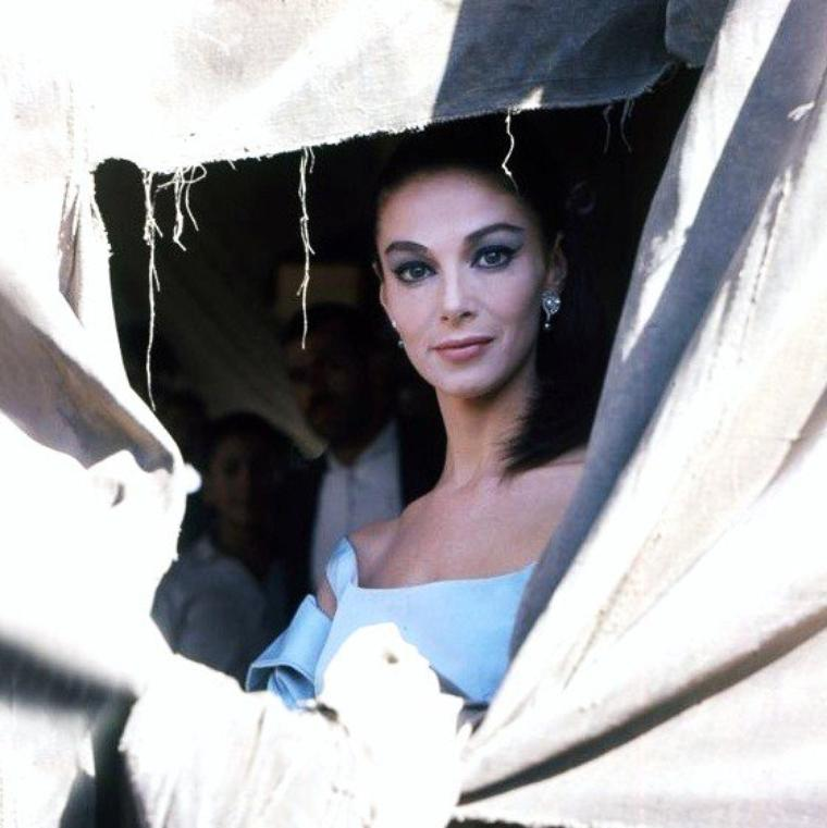 Anna Maria PIERANGELI dite Pier ANGELI, beauté Italienne... (Cagliari, Sardaigne).