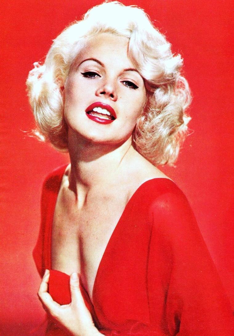 "Carroll BAKER... ""La Marilyn des années 60"""