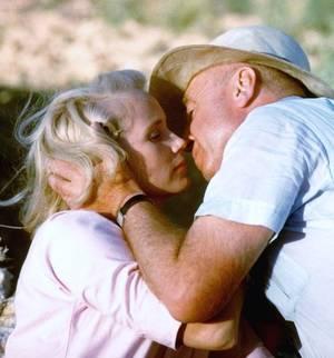 """1960 / Eva Marie SAINT lors du tournage du film """"Exodus"""" en Israël aux côtés d'Otto PREMINGER ou Paul NEWMAN (photos de Gjon MILI)."""