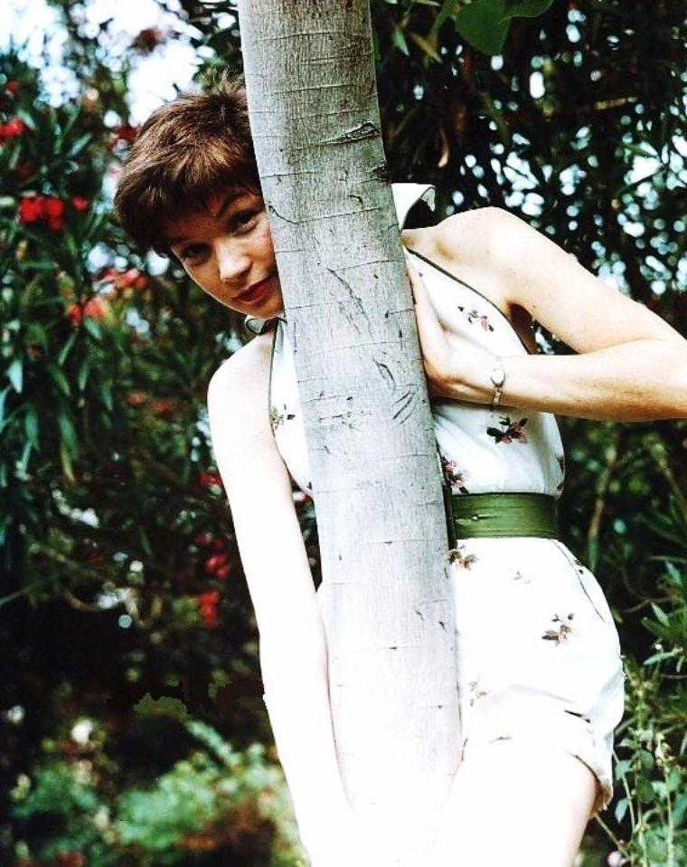 BONUS photos... Shirley MacLAINE