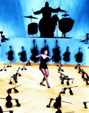 """La musique adoucit les moeurs""... (de haut en bas) Dinah SHORE / Lucille BALL / Ann MILLER / June HARDING / Marilyn MONROE / Ginger ROGERS / Rita HAYWORTH / Jayne MANSFIELD"