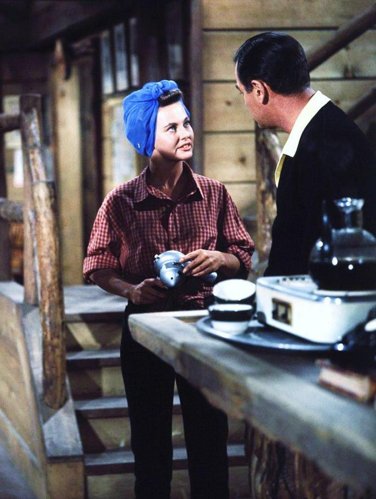 """Lola ALBRIGHT pictures (part 2) / On peux la voir dans la série T.V. en 1959 """"Peter Gunn"""" aux côtés de Craig STEVENS (photos) et également dans le film """"Kid Galahad"""" en 1962 avec Elvis PRESLEY, entre autres... (photos)"""