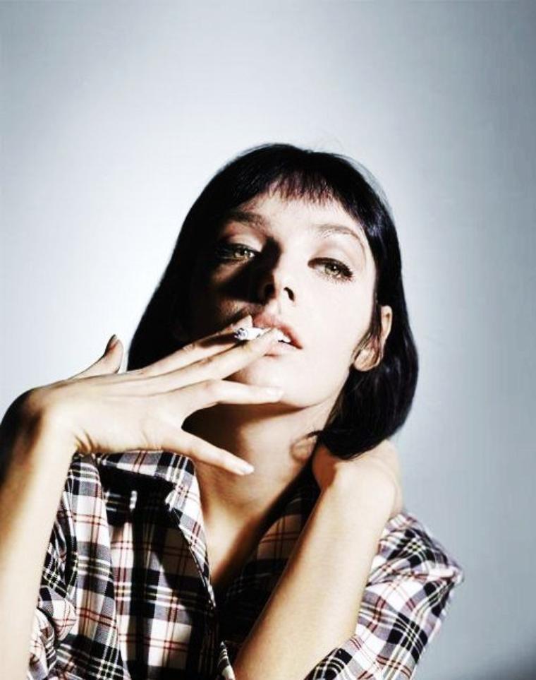 Marie LAFORÊT, de son vrai nom Maïtèna Marie Brigitte DOUMENACH, née le 5 octobre 1939 à Soulac-sur-Mer (Gironde), est une chanteuse et actrice française. Depuis 1978, elle vit à Genève et possède aussi la nationalité suisse.