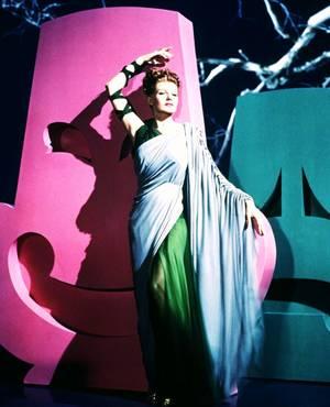 Des robes magnifiques pour des STARS sublimes... (de haut en bas) Loretta YOUNG / Gene TIERNEY / Marilyn MONROE / Rita HAYWORTH / Ava GARDNER / Marlène DIETRICH / Esther WILLIAMS / Martha HYER