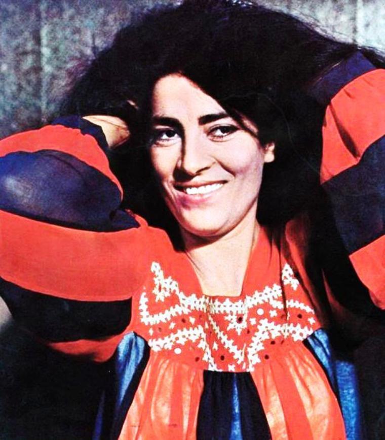Iríni PAPPA (grec moderne : Ειρήνη Παππά), connue à l'étranger sous le nom d'Irène PAPAS, est une actrice grecque, née Iríni LELEKOU (Ειρήνη Λελέκου) le 3 septembre 1926 à Chiliomodi, en Corinthie, Grèce.