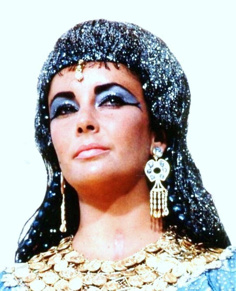 L'Egypte antique à l'honneur, avec de haut en bas... Bella DARVI / Anne BAXTER / Gene TIERNEY / Elizabeth TAYLOR / Luisella BONI / Jean SIMMONS / Vivien LEIGH / Judy ANDERSON et Nina FOCH