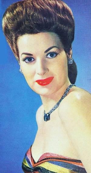 Maureen O'HARA / VIE PERSONNELLE / Elle a été marié avec : George H. BROWN (1939-1941) / William HOUSTON PRICE (1941-1953) / une fille : Bronwyn FITZSIMONS PRICE / Général Charles F. BLAIR Jr. (1968-1978) / Elle a eu une relation avec Enrique PARRA (banquier et homme politique mexicain) de 1953 à 1967.