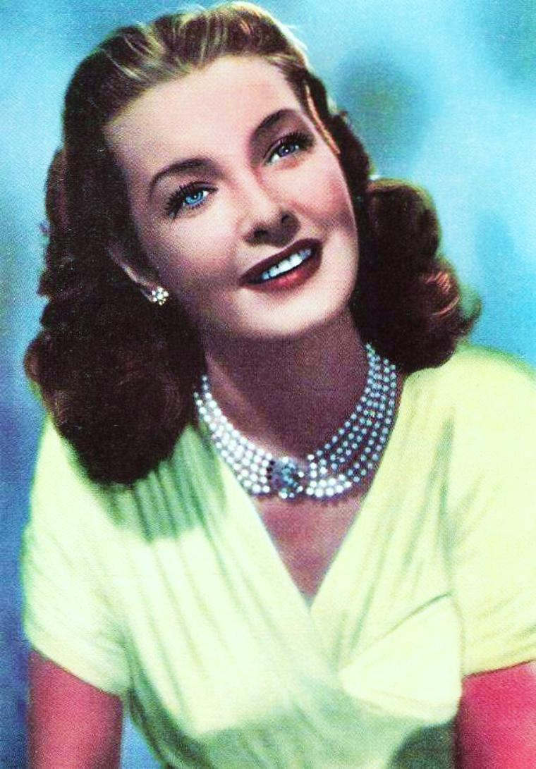 Patricia ROC est une actrice anglaise, née le 7 juin 1915 à Londres (Royaume-Uni), décédée le 30 décembre 2003 à Locarno (Suisse).