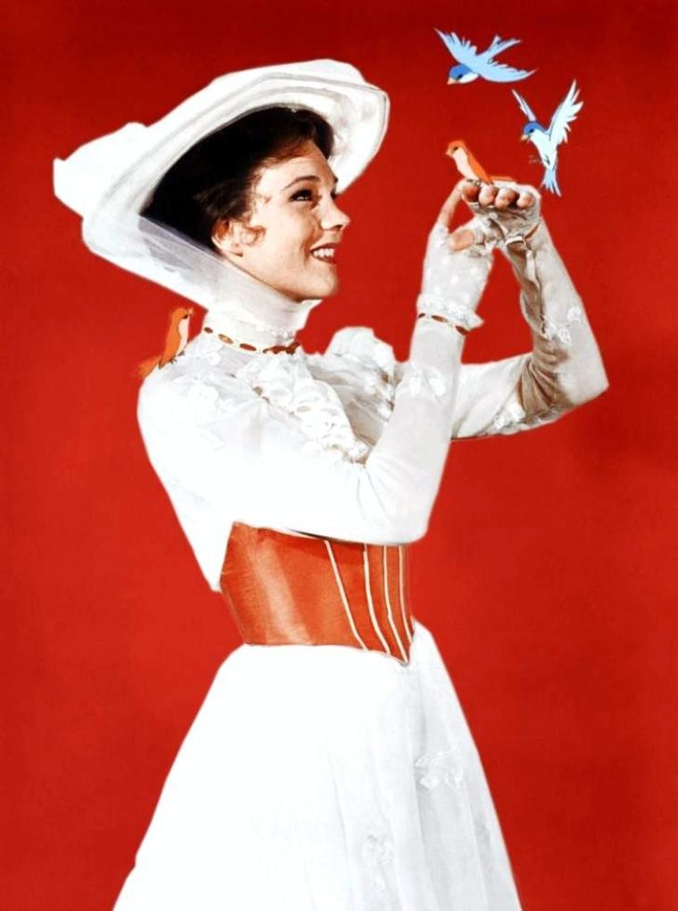 """1964 / FILM CULTE / """"Mary Poppins"""" est catalogué comme le 23ème long-métrage d'animation des studios DISNEY. Sorti en 1964 et mêlant prises de vues réelles et animation, ce film musical est adapté du roman éponyme de Pamela LYNDON TRAVERS publié en 1934. Après une longue période de tractation entre Walt DISNEY et Pamela TRAVERS pour obtenir les droits d'adaptation, la production du film débute en 1960 et s'achève en 1964. Cette période fait l'objet d'un long métrage en prise de vue réelle intitulé """"Saving Mr. Banks"""". Le film """"Mary Poppins"""" est l'une des productions DISNEY la plus chaleureusement accueillie par les critiques et le public. Le film est remarquable pour plusieurs points comme le mélange prise de vue réelle et animation ou le style comédie musicale, bien que certains auteurs indiquent que ces formes cinématographiques rappellent plus les années 1940 que le milieu des années 1960. L'animation qui est à l'origine du studio passe toutefois au second plan, phénomène qui s'aggravera dans les années et décennies suivantes. En plus d'être un succès au box-office, la mort de Walt DISNEY deux années plus tard, en fait une ½uvre-testament ou marque l'apothéose de sa carrière. Le film révèle aussi le talent de Julie ANDREWS et confirme celui de Dick Van DYKE. Malgré cela les critiques contre DISNEY et l'ensemble du studio s'institutionnalisent chez une élite qui devient le fer de lance des détracteurs de DISNEY."""