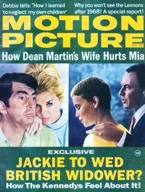 """COUPLE DE LEGENDE : Mia FARROW and Frank SINATRA / Mia FARROW épouse le chanteur Frank SINATRA le 19 juillet 1966. Elle avait 21 ans et lui 50. En 1968, Frank SINATRA lui demande d'abandonner le plateau de """"Rosemary's Baby"""" au profit de son film """"Le détective"""", il se heurte à un refus. Il lui présente alors les papiers du divorce sur le plateau de tournage de """"Rosemary's baby"""". Le divorce est prononcé en 1968 et est rapporté dans le livre de Jay J. AMES en 1976..."""