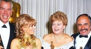And the winner is !... (de haut en bas) Elizabeth TAYLOR / Barbara STANWYCK / Barbra STREISAND (1969) / Mamie Van DOREN / Julie ANDREWS / Natalie WOOD / Simone SIGNORET / Julie CHRISTIE and Shelley WINTERS (1966)