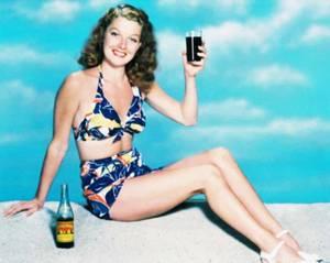 Souvenirs de vacances d'été... (de haut en bas) Lisa WINTERS / Jayne MANSFIELD / Anita EKBERG / Angela GREENE / Ann BLYTH / Ann MILLER / Anne FRANCIS / Ann SHERIDAN