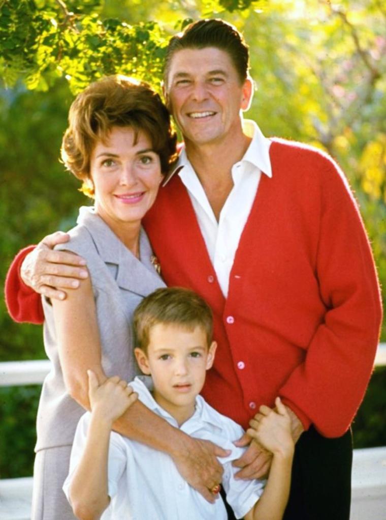 CITATION / « Les enfants réinventent le monde pour vous. » de Susan SARANDON / Nos MAMANS STARS... (de haut en bas) Mona FREEMAN / Grace KELLY / Marjorie LORD (et sa fille Anne ARCHER, aujourd'hui actrice)  / Nancy DAVIS (1967) / Shelley WINTERS / Ingrid BERGMAN / Irene DUNNE / Joan CRAWFORD