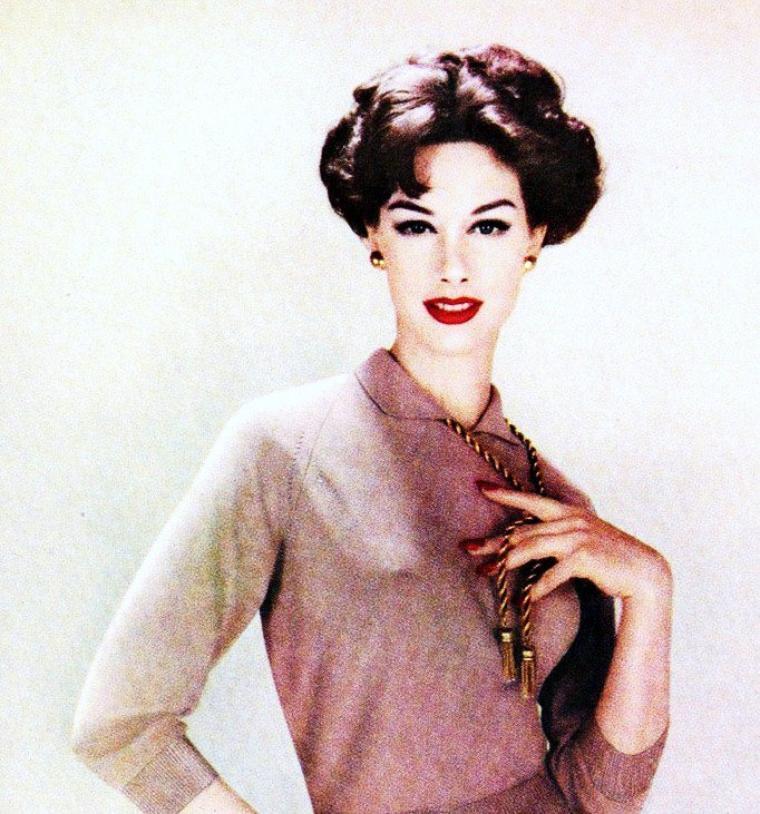 Nancy BERG, tout comme Suzy PARKER entre autres, est une actrice et modèle Américaine née le 9 juillet 1931.