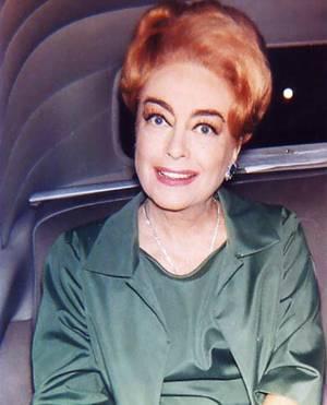 Des années 30 aux années 60 ; Toutes ces STARS sont photographiées à la fin des années 60 (1968-69), déjà actrices débutantes dans les années 30, au plus tard 1935, pour Rita HAYWORTH... (de haut en bas) Bette DAVIS / Joan CRAWFORD / Lucille BALL / Katharine HEPBURN / Simone SIMON / Rita HAYWORTH / Joan BLONDELL / Mäe WEST