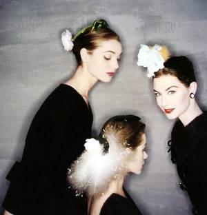 """CITATIONS / « Il existe un lien secret entre les femmes : elles se soutiennent comme les prêtres d'une même religion, elles se haïssent mais elles se protègent. » de Marquise De LAMBERT /  « Ce qui unit les femmes entre elles est beaucoup moins l'effet de la sympathie que des confidences qu'elles se font réciproquement. » de Adrien DUPUY (de haut en bas) Un des castings de la série """"Peyton place"""" comptant parmi les actrices féminines, Barbara PARKINS, Dorothy MALONE, Lana WOOD... / A pair of """"Goldwyn-girls"""" / Donna MARTELL, Marge CHAMPION and Debbie REYNOLDS / Bella DARVI and Jane POWELL / Elaine STEWART and Cyd CHARISSE / Olga San JUAN and Betty GRABLE / Elsa MARTINELLI, Candy TANNEV and Nancy BERG / June HARDING and Hayley MILLS"""