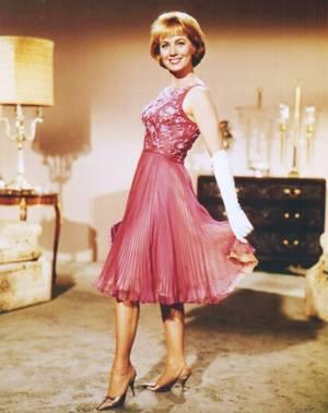CITATION / « Le chic, la classe, l'élégance, le chien et même le peps, on ne les a pas par comparaison, on les a ou on ne les a pas, ou plutôt, on ne vous les reconnaît pas. » de Bernard PIVOT (de haut en bas) Doris DAY au bras de Clark GABLE / Dana WYNTER / Grace KELLY / Ava GARDNER / Shirley JONES / Rosanna SCHIAFFINO / Susan HAYWARD / Honor BLACKMAN