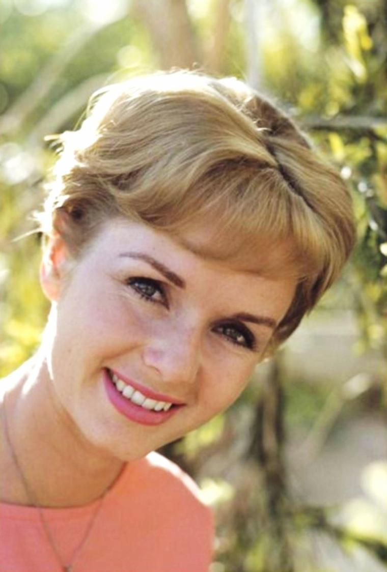 THE SPRING / with Debbie REYNOLDS