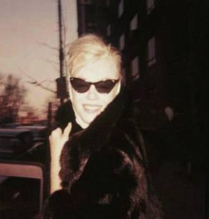 CITATION / « Quand on est connu, aujourd'hui, le simple fait de se promener en public sans lunettes noires constitue presque un attentat à la pudeur. » de Philippe BOUVARD / de haut en bas / Candice BERGEN / Brigitte BARDOT / Grace KELLY / Claudia CARDINALE / Bette DAVIS / Audrey HEPBURN / Marilyn / Deborah KERR