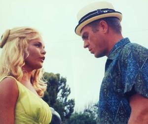 LES COUPLES DE L'ETE (part 2)... avec, de haut en bas : Tuesday WELD and Steve McQUEEN / Elizabeth TAYLOR and Richard BURTON / Doris DAY and John RAITT / Deborah Ann SMITH and Tyrone POWER / Janet LEIGH and Tony CURTIS / Brigitte BARDOT and Gunter SACHS / Liza MINNELLI and Peter ALLEN / Betty SMITH and Bud ABBOTT