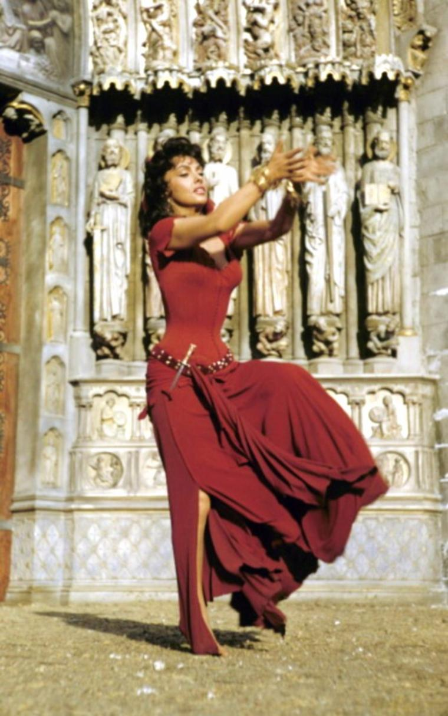 "1956 / La belle Gina as Esmeralda dans le film ""Notre-Dame de Paris""..."