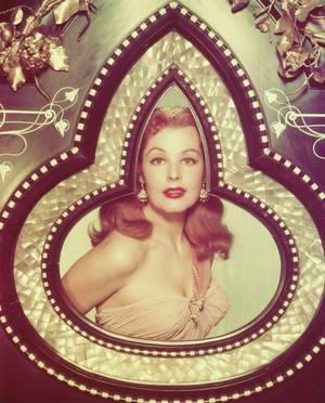 """SO EXOTIC / En hommage à mon amie Simona (son blog, """"cleopatre 1955"""") qui adore l'exotisme... Quand nos STARS arborent un look vestimentaire plutôt exotique, lors d'une soirée ou pour les besoins d'un film... (de haut en bas) Lana TURNER / Elizabeth TAYLOR / Debra PAGET / Joan COLLINS / Valerie LEON / Hedy LAMARR / Arlene DAHL / Adele JERGENS"""
