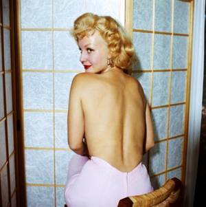 NEWS / Greta THYGESEN, plus connue sous le pseudo de Greta THYSSEN, est une actrice et modèle Américaine, d'origine Danoise, née à Copenhague, au Danemark, le 3 Mars 1933 ; elle apparaît dans quelques films et shows entre 1956 et 1967...