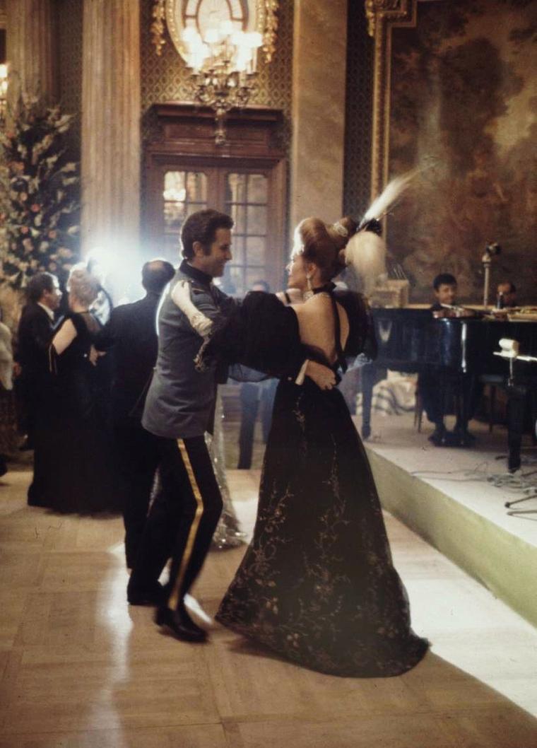 1969 / Grand ball in Monaco... Princess Grace and Rainier III