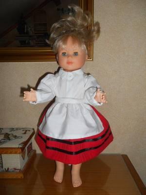 1962 janvier / tenue de Carnaval ,le petit chaperon rouge !