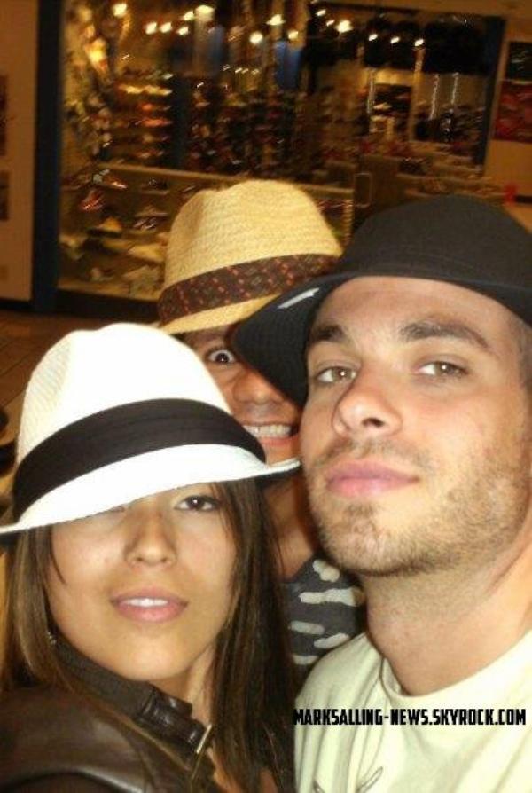 Candids: quelques photos de Mark et de ses amis, de 2008 à 2012, où on peux voir aussi Mark avec une barbe !